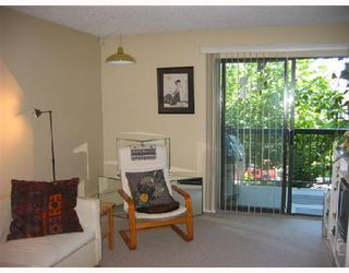 Photo 2: 207 1420 E 7TH Avenue in Vancouver: Grandview VE Condo for sale (Vancouver East)  : MLS®# V659568