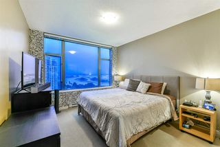 """Photo 8: 1402 280 ROSS Drive in New Westminster: Fraserview NW Condo for sale in """"The Carlyle"""" : MLS®# R2388770"""