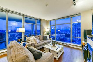 """Photo 1: 1402 280 ROSS Drive in New Westminster: Fraserview NW Condo for sale in """"The Carlyle"""" : MLS®# R2388770"""