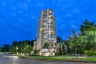 """Photo 2: 1402 280 ROSS Drive in New Westminster: Fraserview NW Condo for sale in """"The Carlyle"""" : MLS®# R2388770"""