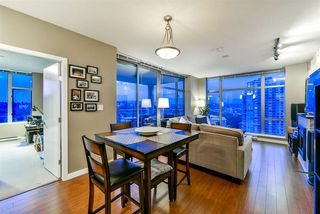 """Photo 5: 1402 280 ROSS Drive in New Westminster: Fraserview NW Condo for sale in """"The Carlyle"""" : MLS®# R2388770"""