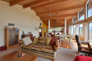 Photo 10: 477 S FLETCHER Road in Gibsons: Gibsons & Area House for sale (Sunshine Coast)  : MLS®# R2390875