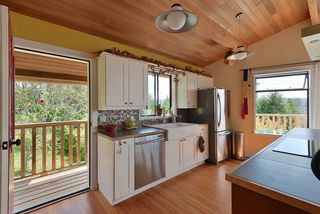 Photo 6: 477 S FLETCHER Road in Gibsons: Gibsons & Area House for sale (Sunshine Coast)  : MLS®# R2390875