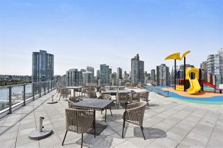 "Photo 15: 710 68 SMITHE Street in Vancouver: Downtown VW Condo for sale in ""ONE PACIFIC"" (Vancouver West)  : MLS®# R2403870"