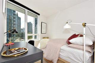 "Photo 10: 710 68 SMITHE Street in Vancouver: Downtown VW Condo for sale in ""ONE PACIFIC"" (Vancouver West)  : MLS®# R2403870"