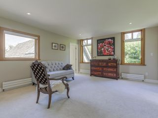 Photo 10: 990 SHERWOOD Lane in West Vancouver: Ambleside House for sale : MLS®# R2412347