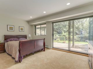 Photo 16: 990 SHERWOOD Lane in West Vancouver: Ambleside House for sale : MLS®# R2412347