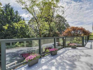 Photo 19: 990 SHERWOOD Lane in West Vancouver: Ambleside House for sale : MLS®# R2412347