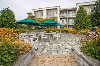 "Photo 15: 323 15850 26 Avenue in Surrey: Grandview Surrey Condo for sale in ""SUMMIT HOUSE"" (South Surrey White Rock)  : MLS®# R2423406"