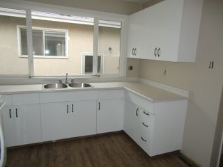 Photo 4: 13523 119 Street in Edmonton: House Half Duplex for rent