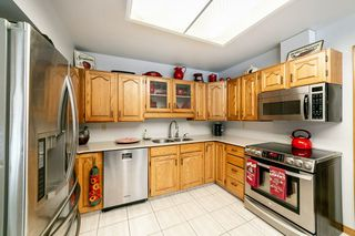 Photo 9: 27 WIMBLETON Crescent: St. Albert House for sale : MLS®# E4182489