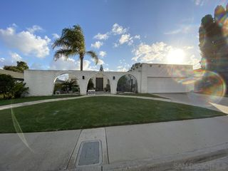 Photo 1: CARLSBAD EAST House for sale : 4 bedrooms : 2729 La Gran Via in Carlsbad