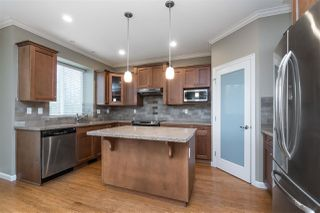 """Photo 7: 20908 71A Avenue in Langley: Willoughby Heights House for sale in """"Milner Heights"""" : MLS®# R2449205"""