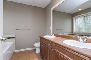 """Photo 11: 20908 71A Avenue in Langley: Willoughby Heights House for sale in """"Milner Heights"""" : MLS®# R2449205"""