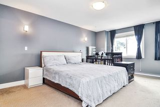 """Photo 11: #5 19938 70 Avenue in Langley: Willoughby Heights Townhouse for sale in """"Summerhill"""" : MLS®# R2467793"""