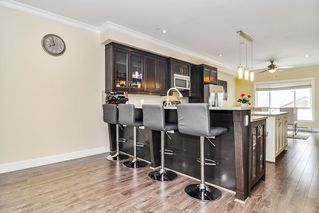 """Photo 5: #5 19938 70 Avenue in Langley: Willoughby Heights Townhouse for sale in """"Summerhill"""" : MLS®# R2467793"""