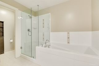 "Photo 16: 905 1415 PARKWAY Boulevard in Coquitlam: Westwood Plateau Condo for sale in ""CASCADE"" : MLS®# R2478359"