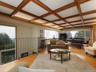Photo 4: 303 Milburn Dr in : Co Lagoon House for sale (Colwood)  : MLS®# 854972