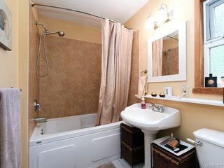 Photo 13: 303 Milburn Dr in : Co Lagoon House for sale (Colwood)  : MLS®# 854972