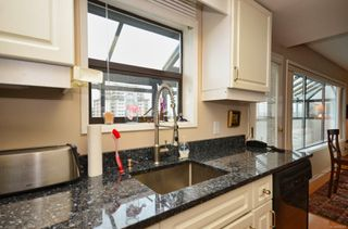 Photo 11: 804 819 Burdett Ave in : Vi Downtown Condo for sale (Victoria)  : MLS®# 858307