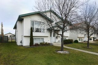 Photo 2: 21 DAINES Avenue in Red Deer: Devonshire Residential for sale : MLS®# A1046952