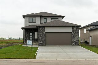 Photo 1: 15 Hawthorne Way in Niverville: Fifth Avenue Estates Residential for sale (R07)  : MLS®# 202028504