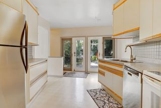 Photo 4: 14014 105 Avenue NW in Edmonton: Glenora House for sale