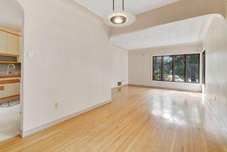 Photo 9: 14014 105 Avenue NW in Edmonton: Glenora House for sale
