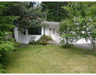 """Main Photo: 573 OCEANVIEW Drive in Gibsons: Gibsons & Area House for sale in """"WOODCREEK PARK"""" (Sunshine Coast)  : MLS®# V654768"""