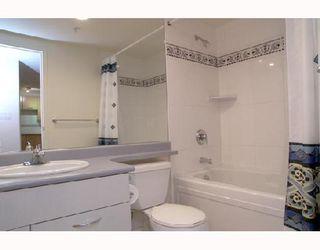 "Photo 7: 217 1823 W 7TH Avenue in Vancouver: Kitsilano Condo for sale in ""CARNEGIE"" (Vancouver West)  : MLS®# V660212"