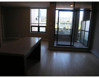 """Photo 3: 401 531 BEATTY Street in Vancouver: Downtown VW Condo for sale in """"531 BEATTY"""" (Vancouver West)  : MLS®# V667517"""