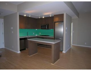 """Photo 2: 401 531 BEATTY Street in Vancouver: Downtown VW Condo for sale in """"531 BEATTY"""" (Vancouver West)  : MLS®# V667517"""