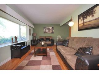 Photo 3: 3760 SOUTHWOOD Street in Burnaby: Suncrest House for sale (Burnaby South)  : MLS®# R2411402