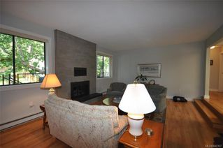 Photo 7: 900 Woodhall Dr in Saanich: SE High Quadra Single Family Detached for sale (Saanich East)  : MLS®# 840307