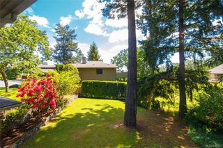 Photo 32: 900 Woodhall Dr in Saanich: SE High Quadra Single Family Detached for sale (Saanich East)  : MLS®# 840307