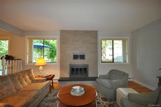 Photo 6: 900 Woodhall Dr in Saanich: SE High Quadra Single Family Detached for sale (Saanich East)  : MLS®# 840307
