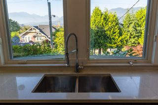Photo 23: 2321 ST GEORGE Street in Port Moody: Port Moody Centre House for sale : MLS®# R2497458