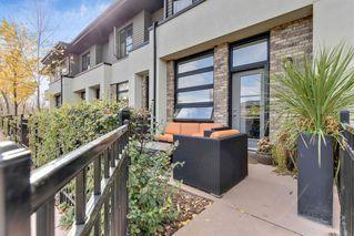 Photo 2: 220 ASPEN HILLS Villas SW in Calgary: Aspen Woods Row/Townhouse for sale : MLS®# A1057579