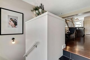 Photo 3: 220 ASPEN HILLS Villas SW in Calgary: Aspen Woods Row/Townhouse for sale : MLS®# A1057579