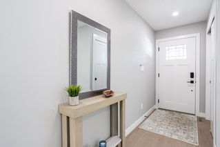 Photo 3: 10304 64 Street in Edmonton: Zone 19 House for sale : MLS®# E4224485