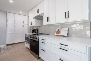 Photo 14: 10304 64 Street in Edmonton: Zone 19 House for sale : MLS®# E4224485