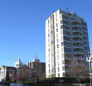 "Photo 2: 301 1405 W 12TH Avenue in Vancouver: Fairview VW Condo for sale in ""THE WARRENTON"" (Vancouver West)  : MLS®# V649687"