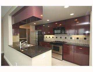 Photo 3: # 2706 1033 MARINASIDE CR: Condo for sale : MLS®# V748425