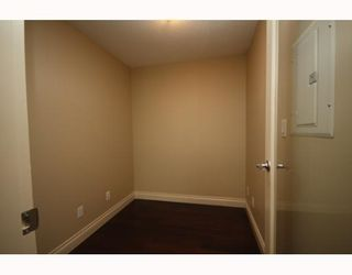 Photo 7: # 2706 1033 MARINASIDE CR: Condo for sale : MLS®# V748425