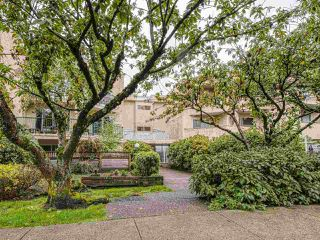 "Photo 15: 208 1050 HOWIE Avenue in Coquitlam: Central Coquitlam Condo for sale in ""MONTERAY GARDENS"" : MLS®# R2405004"