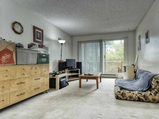 "Photo 6: 208 1050 HOWIE Avenue in Coquitlam: Central Coquitlam Condo for sale in ""MONTERAY GARDENS"" : MLS®# R2405004"