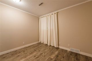 Photo 17: 9970 26 Street SW in Calgary: Oakridge Semi Detached for sale : MLS®# C4275801