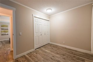 Photo 18: 9970 26 Street SW in Calgary: Oakridge Semi Detached for sale : MLS®# C4275801