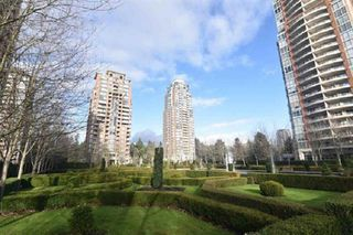 """Photo 2: 904 7388 SANDBORNE Avenue in Burnaby: South Slope Condo for sale in """"MAYFAIR PLACE"""" (Burnaby South)  : MLS®# R2423881"""