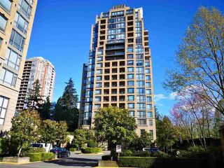 "Main Photo: 904 7388 SANDBORNE Avenue in Burnaby: South Slope Condo for sale in ""MAYFAIR PLACE"" (Burnaby South)  : MLS®# R2423881"